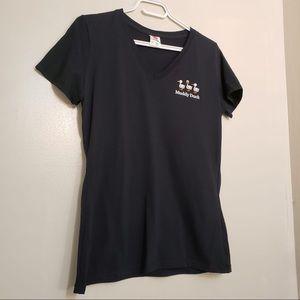 #020-Muddy Duck Black Logo V-Neck Short Sleeve Top